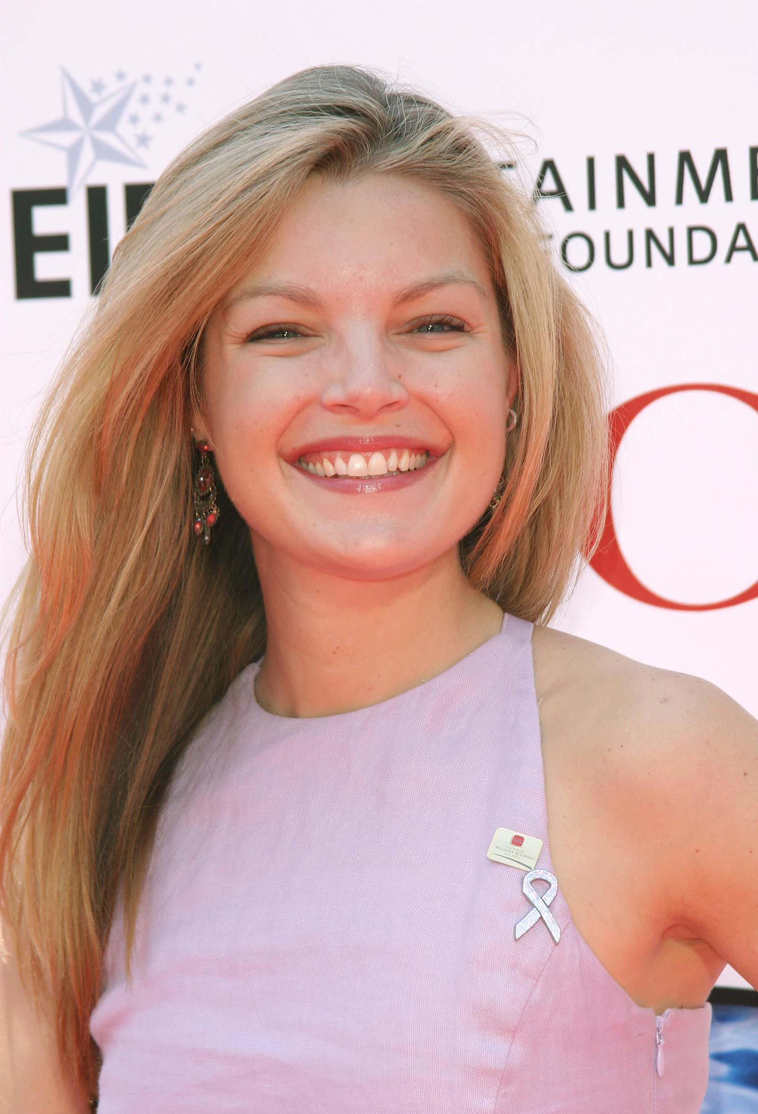 clare kramer net worth