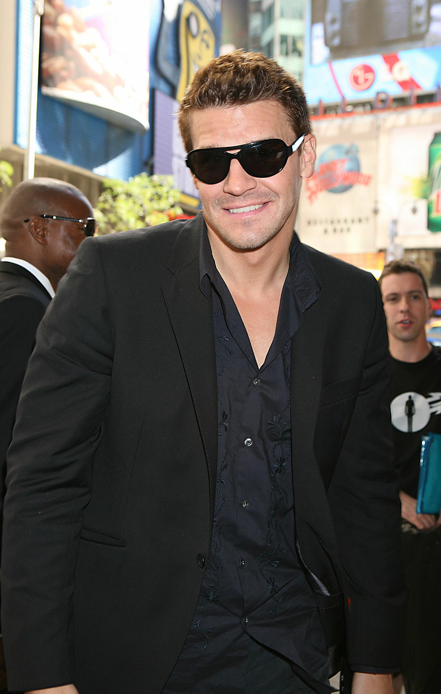 IMG/jpg/david-boreanaz-arriving-MTV-hq-01-1500.jpg