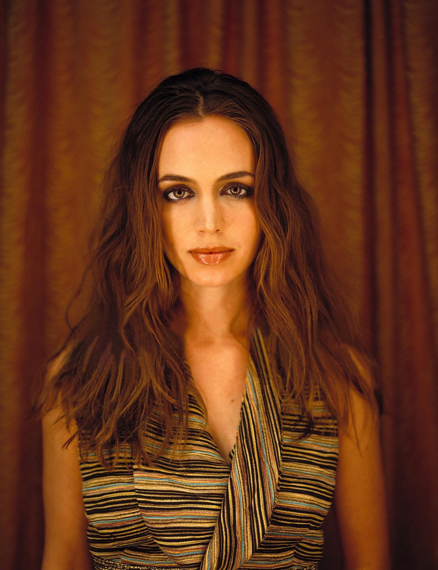 Eliza dushku hq photoshoot for mean magazine july 2001 naked (81 photos), Bikini Celebrites foto