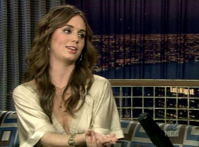 Eliza Dushku - Conan O'Brien Show - Nov. 19th 2003