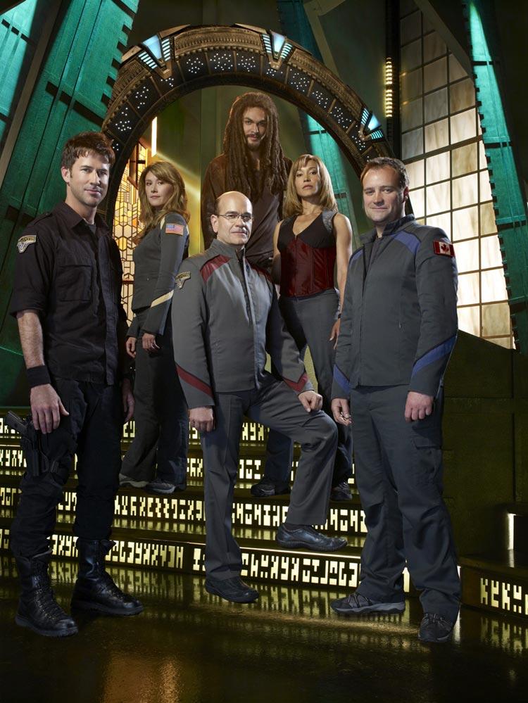 jewel-staite-stargate-atlantis-tv-series-season-5-promo-gq-02