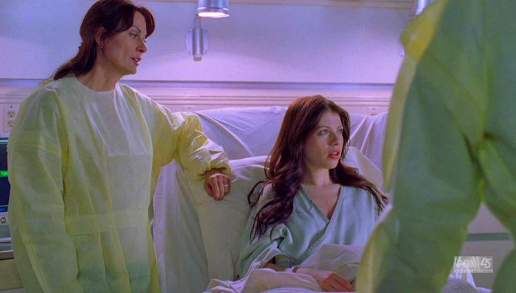 IMG/jpg/michelle-trachtenberg-house-tv-series-2x16-screencaps-gq-16.jpg