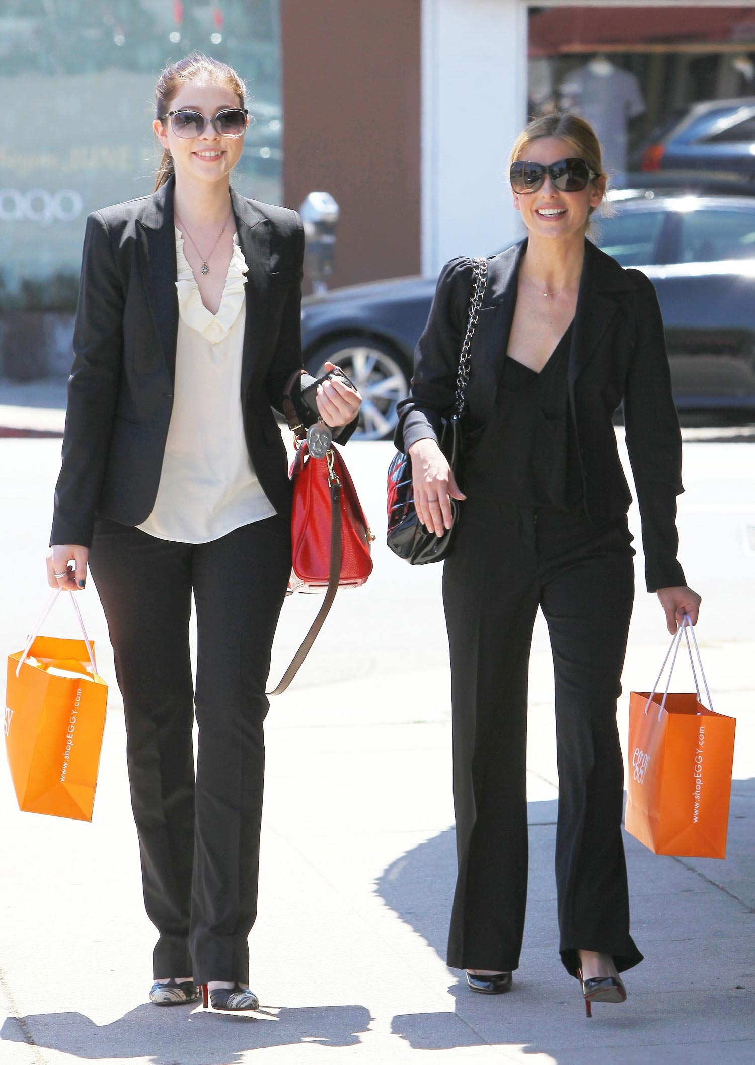 Michelle Trachtenberg and sarah michelle gellar