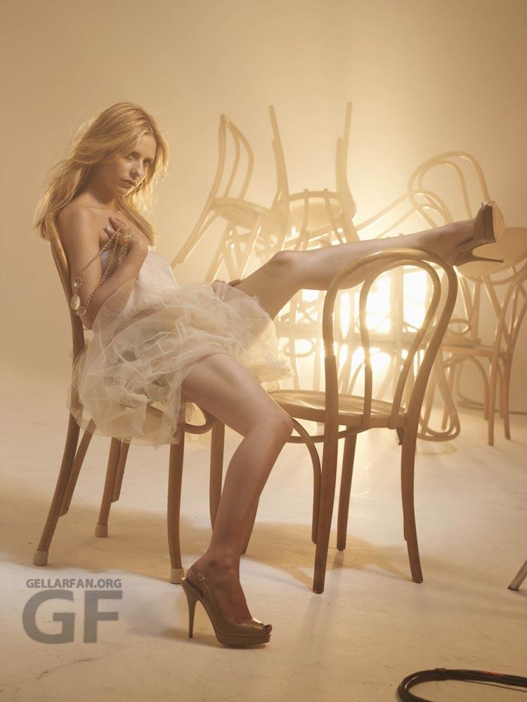 http://www.whedon.info/IMG/jpg/sarah-michelle-gellar-randall-slavin-photoshoot-gq-03.jpg