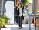 IMG/jpg/sarah-michelle-gellar-out-for-lunch-brentwood-paparazzi-mq-19.jpg