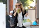 IMG/jpg/sarah-michelle-gellar-out-for-lunch-brentwood-paparazzi-mq-18.jpg