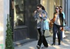 IMG/jpg/michelle-trachtenberg-shopping-dolce-vita-hollywood-paparazzi-gq-12. (...)